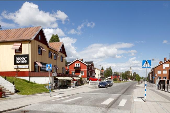 gata i staden Övertorneå i Norrbotten